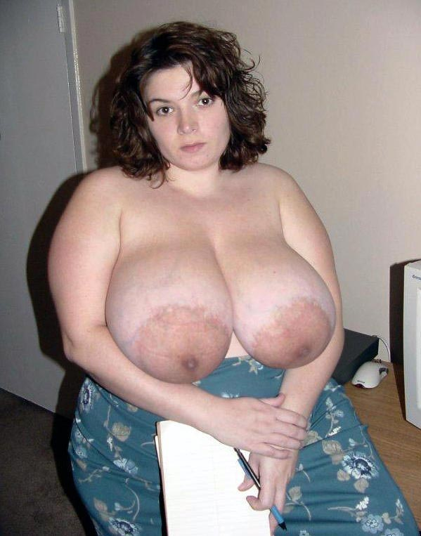 Amateur chubby mature tits and pussy