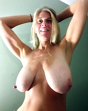 Floppy tits mature picture gallery